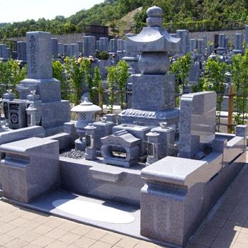 庵治石五輪塔の建立例