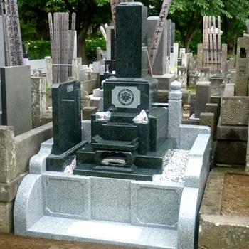 M1H和型墓石の建立例